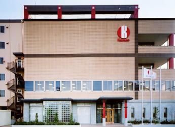 本社に併設の工場